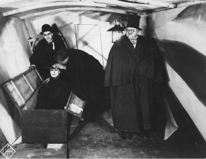 cabinet-of-dr-caligari 1