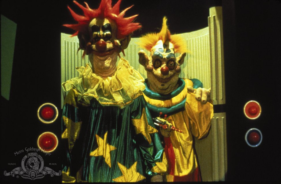 Blu ray review killer klowns from outer space the least for Space clowns
